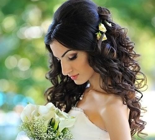 Прическа на средние волосы локоны на свадьбу