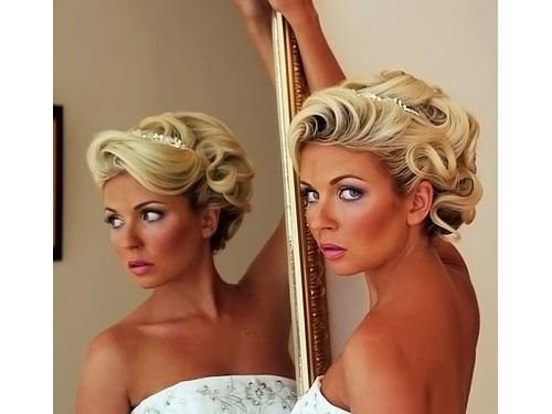 Прическа на свадьбу своими руками для коротких волос