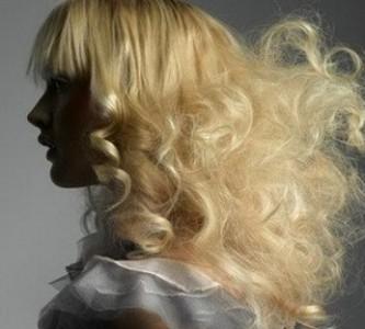 Как ухаживать за пористыми волосами?