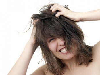 Изучение причин зуда кожи головы и перхоти