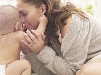 Причины и варианты лечения выпадения волос после родов