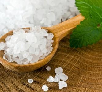 Советы по применению соли для волос от выпадения