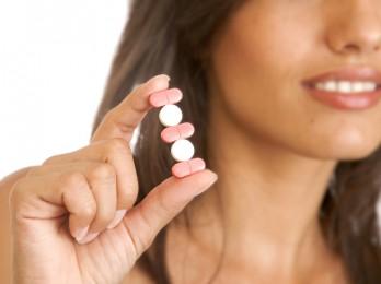 Подбираем витамины для роста волос в аптеке