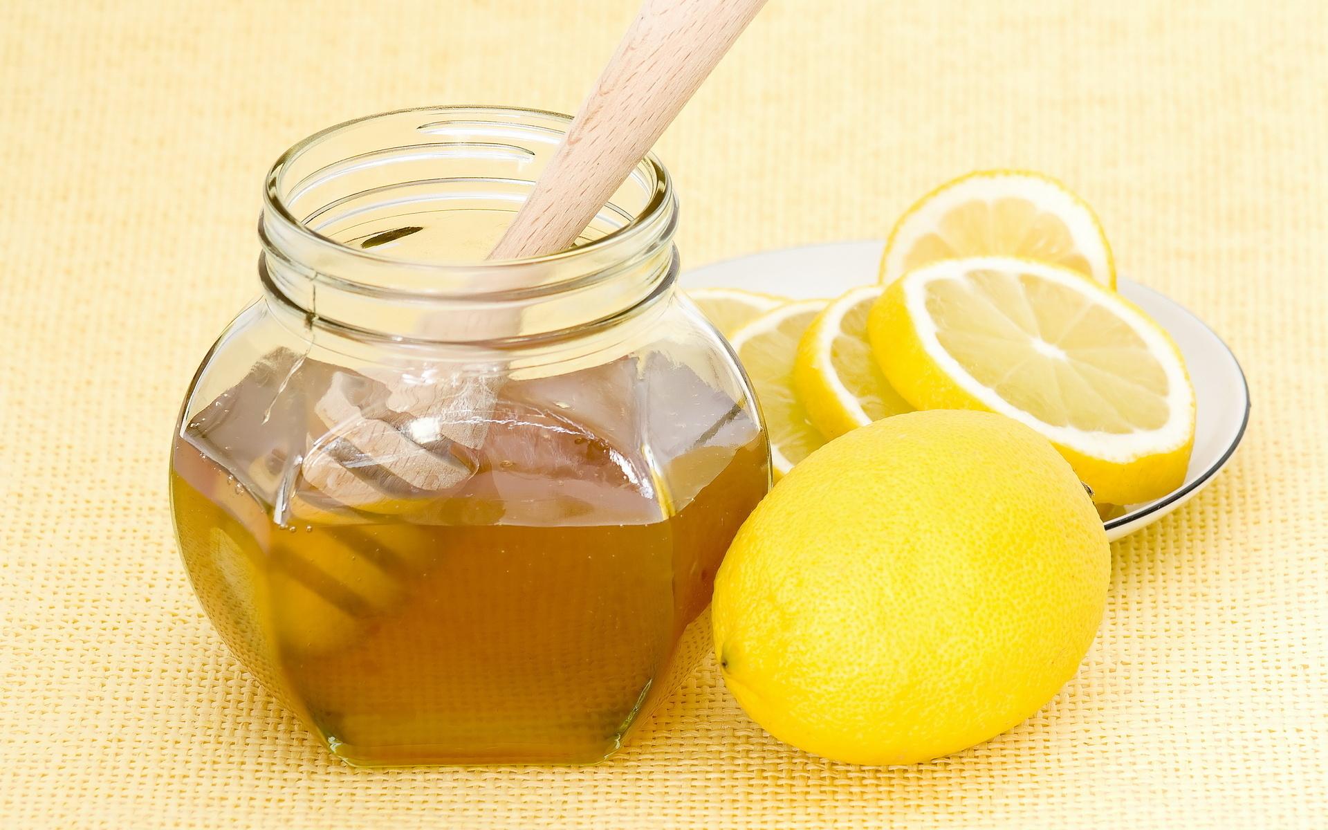 Лимон с медом для осветления