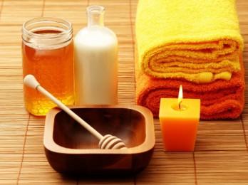 Шелковистость и здоровье с масками для волос с кефиром и медом