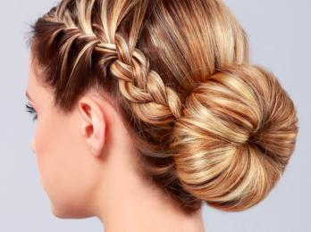 Шарм и стиль в собранных прическах на средние волосы