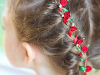Симпатичные варианты детских причесок на Новый год