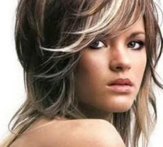 Укладка прически «Каскад» на средние волосы