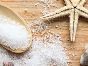 Скрабы и маски с морской солью для волос