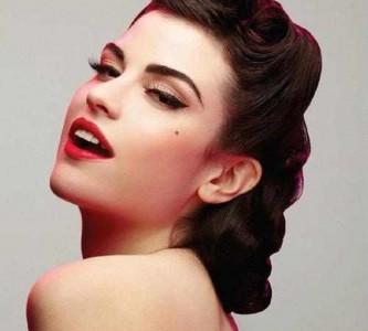 Романтичные образы для укладки волос с челкой