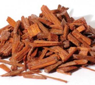 Полезные свойства сандалового масла для волос