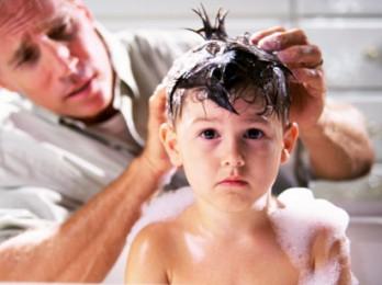 Использование шампуня от вшей и гнид для детей