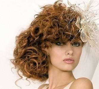 Особенности свадебных причесок для длинных волос