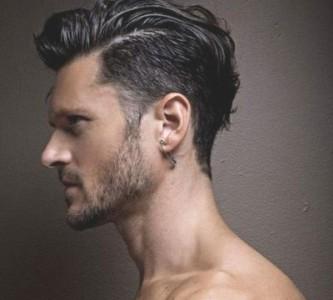 Как делается мужская прическа с пробором набок?