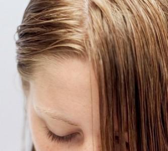 Борьба с жирными волосами в домашних условиях