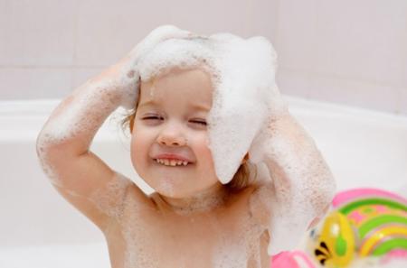 Шампунь от перхоти для женщин, мужчин, детей. Какой можно использовать детский шампунь от перхоти для девочек?