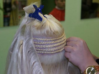 Процедура наращивания волос на косички
