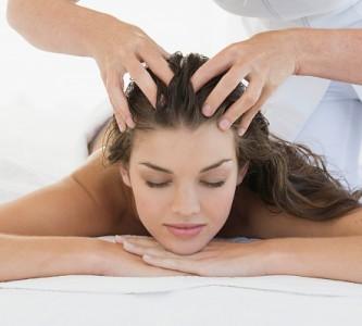 Особенности массажа головы для роста волос