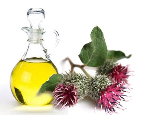 Какие масла полезны для волос: против выпадения и для роста