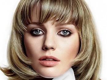 Делаем укладку волос средней длины в домашних условиях