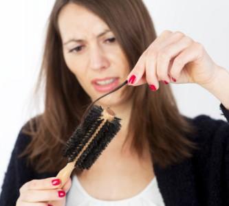 Каких витаминов не хватает при выпадении волос?
