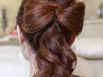 Фантазии в прическах на осенний бал для длинных волос