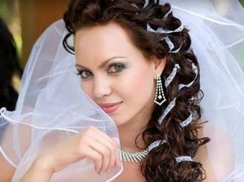 Варианты свадебных причесок в греческом стиле