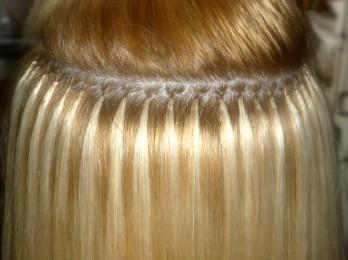 Какое наращивание волос лучше предпочесть — капсульное или ленточное?