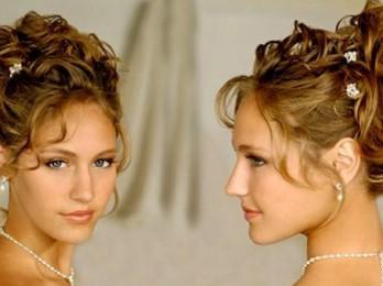Женственные греческие прически для длинных волос