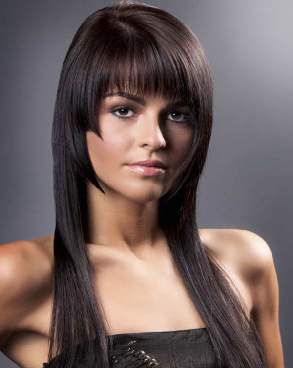 Ступеньки на прямых волосах