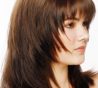 Особенности стрижки «аврора» на средние волосы